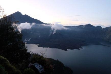 Crater lake Segara Anak